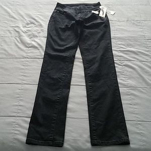 NWTS JAG BLACK JEANS SIZE 2
